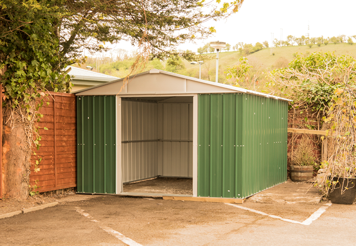 the-poachers-arms-services-shed